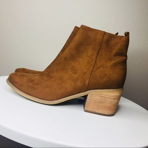 Evee Fab Suede Ankle Booties in Cognac Abound 9.5